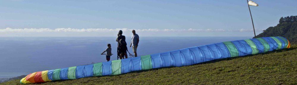 Tahiti paragliding